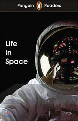 Penguin Readers Level 2: Life in Space (ELT Graded Reader)